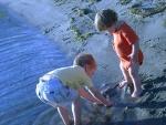 Torres & Oliver explore the beach